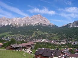 Cortina d'Ampezzo: destinazione ideale per lo sport e il relax