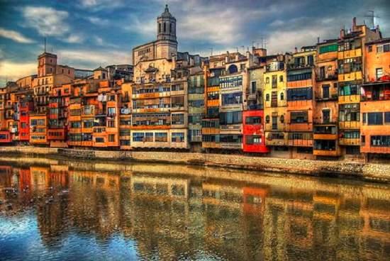 Perché scegliere Girona per le vostre vacanze estive e invernali?