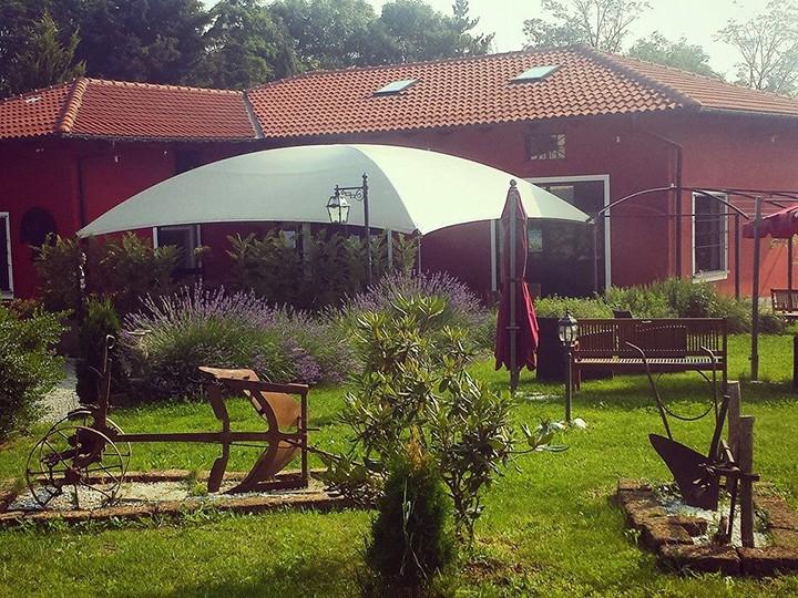 Il relax e la buona cucina di un agriturismo in provincia di Torino